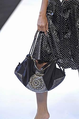 Ika Butoni fashion - Java