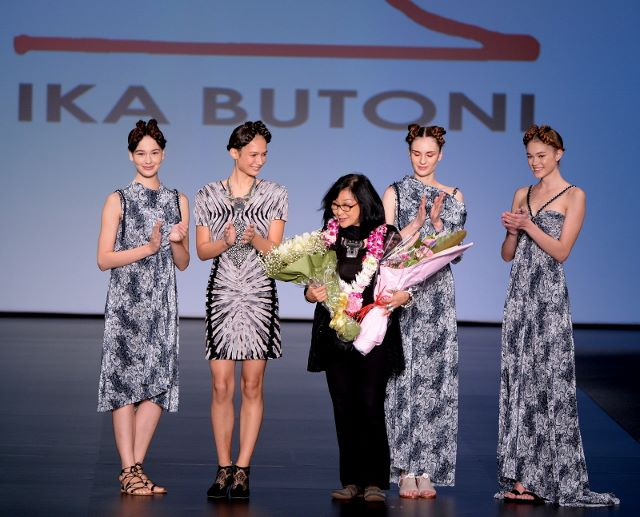 Ika Butoni - The Turning Page