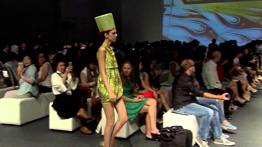 Ika Butoni fashion